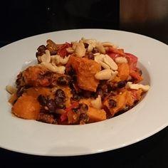 Om alvast in de sfeer te komen een heerlijke vegetarische en veganistische stoofschotel zonder dat je vlees mist.