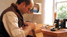Leather watch strap tutorial/The LeatherCraft Academy - YouTube