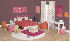 Minimalist teenage girl room design with polka dot curtain and low study desk ideas Pink Teen Bedrooms, Small Girls Bedrooms, Teen Girl Rooms, Kids Rooms, Green Bedrooms, Bedroom Small, Modern Bedroom, Teen Bathroom Decor, Bedroom Decor