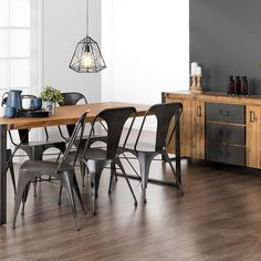 Urban Vibe! Featuring our City2 dining table & buffet.