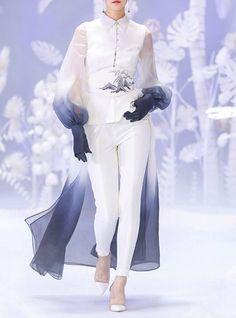 Look Fashion, High Fashion, Fashion Show, Fashion Design, Couture Fashion, Runway Fashion, Womens Fashion, Pretty Outfits, Cool Outfits