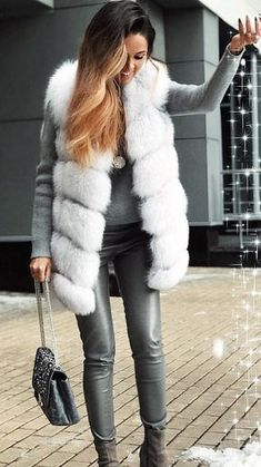 preppy winter outfits to copy now fall & winter style p Fur Vest Outfits, Outfits Otoño, Fashion Outfits, Women's Fashion, Leather Fashion, Preppy Winter Outfits, Blazers, Outfit Invierno, Winter Looks