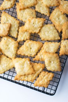 A simple recipe for Parmesan and Rosemary Crackers adapted from the Smitten Kitchen cookbook. Rosemary Crackers Recipe, Savory Crackers Recipe, Savoury Biscuits, Homemade Crackers, Savory Snacks, Homemade Breads, Cheese Recipes, Appetizer Recipes, Snack Recipes