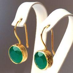 French Style Green Drop Earrings sterling silver coated with gold green zircone earrings green french hook green round earrings Wedding Jewelry, Gold Jewelry, Jewelry Box, Jewelry Accessories, Fine Jewelry, Jewelry Design, Stylish Jewelry, Silver Bracelets, Diamond Jewelry
