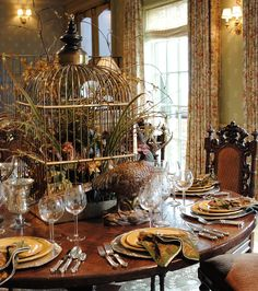 Antique Autumn Table Setting Inspiration #antique