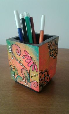 Wood Crafts, Diy And Crafts, Crafts For Kids, Arts And Crafts, Painted Boxes, Wooden Boxes, Diy Tie Dye Shirts, Painted Flower Pots, Happy Design