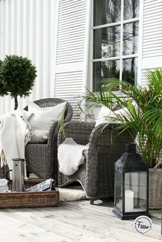 Outdoor Wicker Furniture - Wicker Home Furniture Outdoor Rooms, Outdoor Gardens, Outdoor Living, Outdoor Decor, Outdoor Wicker Furniture, Outside Living, Small Patio, Home Staging, Porches