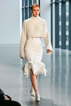 The complete dion lee fall 2018 ready-to-wear fashion show now on vogue run Fall Fashion Trends, Trendy Fashion, High Fashion, Winter Fashion, Womens Fashion, Cheap Fashion, Fashion Brands, Style Fashion, Couture Fashion