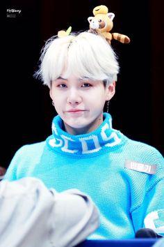 Min Yoongi ☆ Fansign ☆ BTS Love Yourself Her Fansign ☆ Credits by FistBump ☆ Edit by cglassend Suga Suga, Jimin, Min Yoongi Bts, Min Suga, Daegu, Agust D, Kim Namjoon, Jung Hoseok, Mixtape