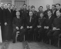 Юрий Гагарин среди руководителей советской космической программы