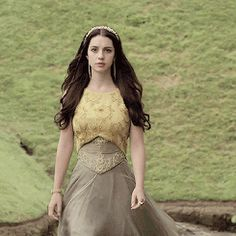 """reign meme — my favorite dresses """"► Mary Queen of Scots - hearts and minds """" Mary Stuart, Serie Reign, Reign Tv Show, Reign Mary, Reign Dresses, Reign Fashion, Mustard Dressing, Queen Mary, Marie"""
