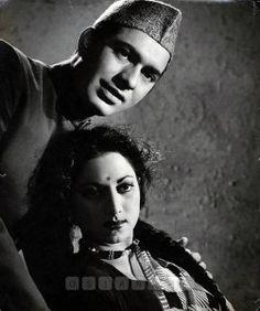 Talat Mahmood and Suraiya in film Maalik 1958 Vintage Bollywood, Indian Bollywood, Film Icon, Film World, Indian Music, Popular Actresses, Old World Charm, Indian Celebrities, Beautiful Saree