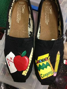 I totally want these!! Reminds me so much of Ms. Frizzle from the Magic School Bus :)  Custom hand painted Teacher themed Toms by alexandrialeigh1, $105.00