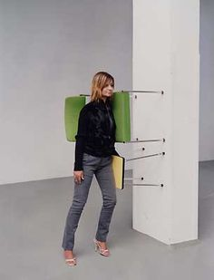 one minute sculpture by Erwin Wurm, 2002 Geometric Terms, Synthetic Cubism, Erwin Wurm, Picasso And Braque, Self Pictures, Instalation Art, Non Plus Ultra, Spanish Art, Circus Performers