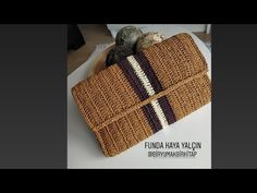 Crochet Handbags, Crochet Bags, Knit Crochet, Crochet Bag Tutorials, Crochet Patterns, Clutch Purse, Bag Making, Diy Bags, Purses