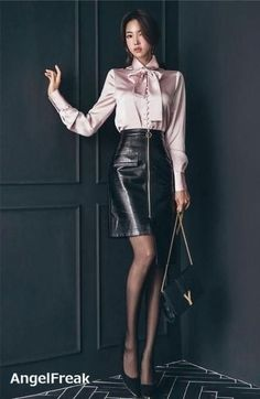 Best 12 40 Satin Blouses That Will Make You Look Fabulous Blouses – SkillOfKing. Asian Fashion, Look Fashion, Fashion Models, Fashion Outfits, Womens Fashion, Black Leather Skirts, Leather Dresses, Sexy Blouse, Blouse And Skirt