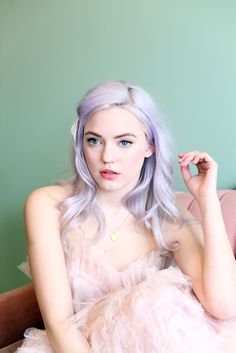 I love how all the colours work together here.  Lavender hair and a blush dress