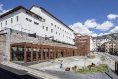 Plaza Huerto  San  Agustín / Jaramillo Van Sluys Arquitectura + Urbanismo