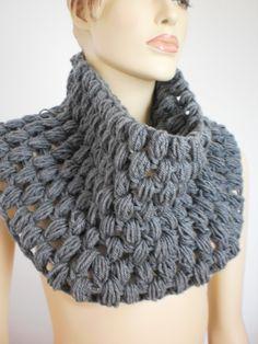 Ganchillo bufanda gris capucha bufanda cuello por levintovich, $59.00