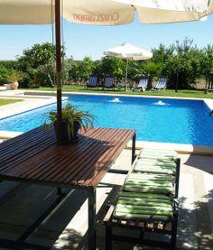 vill-la-debla-mesa-exterior-zona-barbacoa Outdoor Tables, Outdoor Decor, Barbacoa, Andalusia, Private Pool, Spain, Exterior, Outdoor Furniture, Home Decor