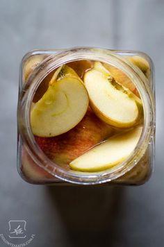 Ocet jabłkowy: nie tylko piękną cerę i lśniące włosy:) Jak zrobić samemu ocet jabłkowy? Plus film (ocet jabłkowy - film:)) Polish Recipes, Apple Cider Vinegar, Preserves, Health And Beauty, Kitchen Hacks, Remedies, Food And Drink, Yummy Food, Homemade