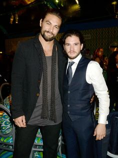 Game Of Thrones studs Jason Momoa and Kit Harington showing us suits aren't the only way to go. Kit is rocking that vest, and Jason's relaxed look keeps it cool at the after party.