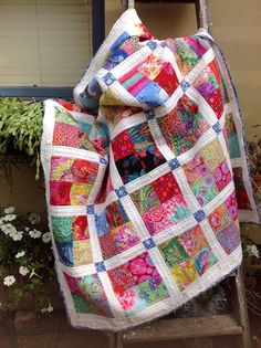 Kaffe Fassett fabrics and white linen. 4 patch quilt block with sashing. Scrappy Quilts, Easy Quilts, Quilting Projects, Quilting Designs, Quilting Ideas, Quilt Inspiration, Charm Pack Quilts, Quilt Modernen, Colorful Quilts