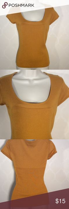 CITY DKNY GOLD SWEATER NWOT City DKNY MUSTARD COLORED Sweater ➖ NWOT ➖ So So So Soft!!!!! CITY DKNY Sweaters