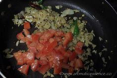 Step-by-step recipe with pictures to make dal palak. How to prepare Indian spinach dal curry. Dal Palak Recipe, Dahl Recipe, Baby Food Recipes, Indian Food Recipes, Vegetarian Recipes, Ethnic Recipes, Spinach Dal, Spinach Curry, Food Crafts