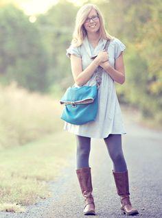 fold-over teal messenger bag. padded inside and out. $117 on Etsy.  #teal #messenger_bag #padded