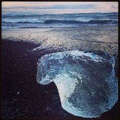A perfect day in #Iceland: icebergs on the blacks sands of the volcanic beach at Jokulsarlon