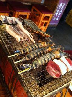 Fruits de mer grillés au Japon.