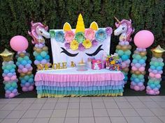 more and more crafts: How to make a uniconio background for your party - Decorationn Unicorn Themed Birthday Party, Unicorn Birthday Parties, First Birthday Parties, Birthday Party Decorations, Baby Girl Birthday, Balloon Decorations, Birthday Ideas, Unicorn Baby Shower, Party Background