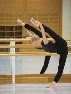 ballet- I want to b able to do this! :(
