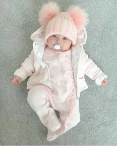 trendy baby outfits for boys winter Cute Little Baby, Baby Kind, Cute Baby Girl, Cute Babies, Winter Outfits For Girls, Baby Boy Outfits, Foto Baby, Cute Baby Pictures, Baby Winter