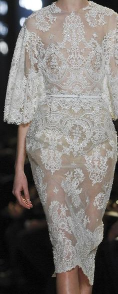 Not Ordinary Fashion — Elie Saab Haute Couture Party Fashion, Look Fashion, Dress Fashion, Beautiful Gowns, Beautiful Outfits, Mode Outfits, Dream Dress, Couture Fashion, Pretty Dresses