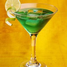 1000 images about cocktails chartreuse on pinterest for Cocktail chartreuse