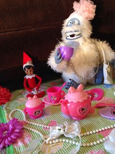 Elf on the Shelf-tea party