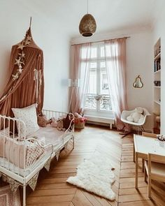 Love this vintage style girls room! That bed is to die for White Painted Floors, Cool Kids Rooms, Toddler Rooms, Home Bedroom, Girls Bedroom, Kids Room Design, Decoration, Girl Room, Interior Design