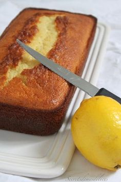 Lemon cake with fresh cream - Dessert Bread Recipes Orange Recipes, Sweet Recipes, Cake Recipes, Dessert Recipes, Lemon Desserts, Healthy Desserts, Brownie Cake, Brownies, Pastry Cook