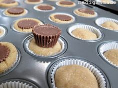 Madigan Made { simple DIY ideas }: Peanut butter cup cookie 'cupcakes'