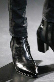 Explore the looks, models, and beauty from the Saint Laurent Autumn/Winter 2015 Menswear show in Paris on 25 January 2015 Saint Laurent Boots, Saint Laurent Paris, Men In Heels, Men S Shoes, Mens Heeled Boots, Moda Retro, Loafer Sneakers, Boating Outfit, Mens Fashion Shoes
