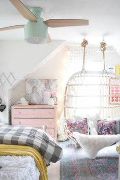 Modern and Stylish Ceiling Fans- Bedroom Ceiling Fan Update // girl's room inspiration, little girl's bedroom, fresh and feminine, natural light, bedroom inspiration, kid's room inspiration