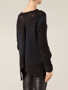 Shop designer knitwear and sweaters for women at Farfetch to build the foundations of your winter wardrobe. Future Fashion, Dark Fashion, Pulls, Designing Women, Sweaters For Women, Knit Sweaters, Knitwear, Fashion Outfits, Couture