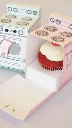 Printable cupcake box to gift individual cupcakes as party favors, small birthday cake treats, or as a thank you gift.