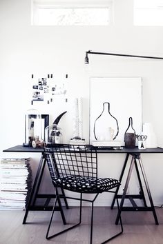 Browse pictures of home office design. Here are our favorite home office ideas that let you work from home. Home Office Inspiration, Workspace Inspiration, Decoration Inspiration, Room Inspiration, Interior Inspiration, Office Ideas, Home Office Design, Home Office Decor, Modern House Design
