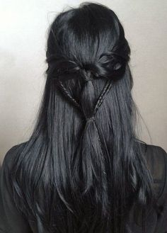 jet black hair is my absolute favorite it's agony when my hair isn't that shade Long Black Hair, Hair Color For Black Hair, Raven Hair Color, Black Colored Hair, Pretty Hairstyles, Braided Hairstyles, Black Hairstyles, Witchy Hairstyles, Braided Locs
