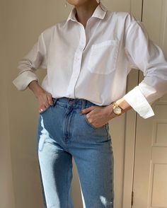How to Style a Crisp White Button-Up for Spring / Summer White Shirt Outfits, Casual Outfits, Fashion Outfits, Mens Fashion, Spring Summer Fashion, Autumn Fashion, Style Summer, White Button Shirt, Fashion Tips For Girls
