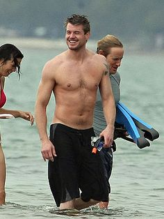 Does it get a whole lot better than Eric Dane shirtless? Not if you ask a great deal of Grey's Anatomy fans, anyway! Grey's Anatomy, Greys Anatomy Men, Eric Dane, Hot Doctor, Marley And Me, Mark Sloan, The Last Ship, Hottest Male Celebrities, Celebs