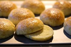 Kuch.com.pl: BUŁKI HAMBURGEROWE Z SEZAMEM Hamburger, Bread, Food, Brot, Essen, Baking, Burgers, Meals, Breads